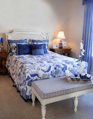 Blue And White Bedroom Color Scheme Using Pattern