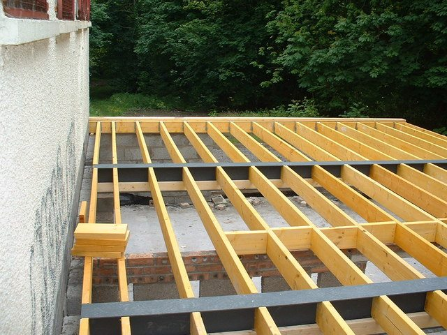 Meanings and photos of joist jute jube joinery for Floor joist trusses