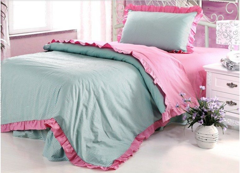flounced bed cover