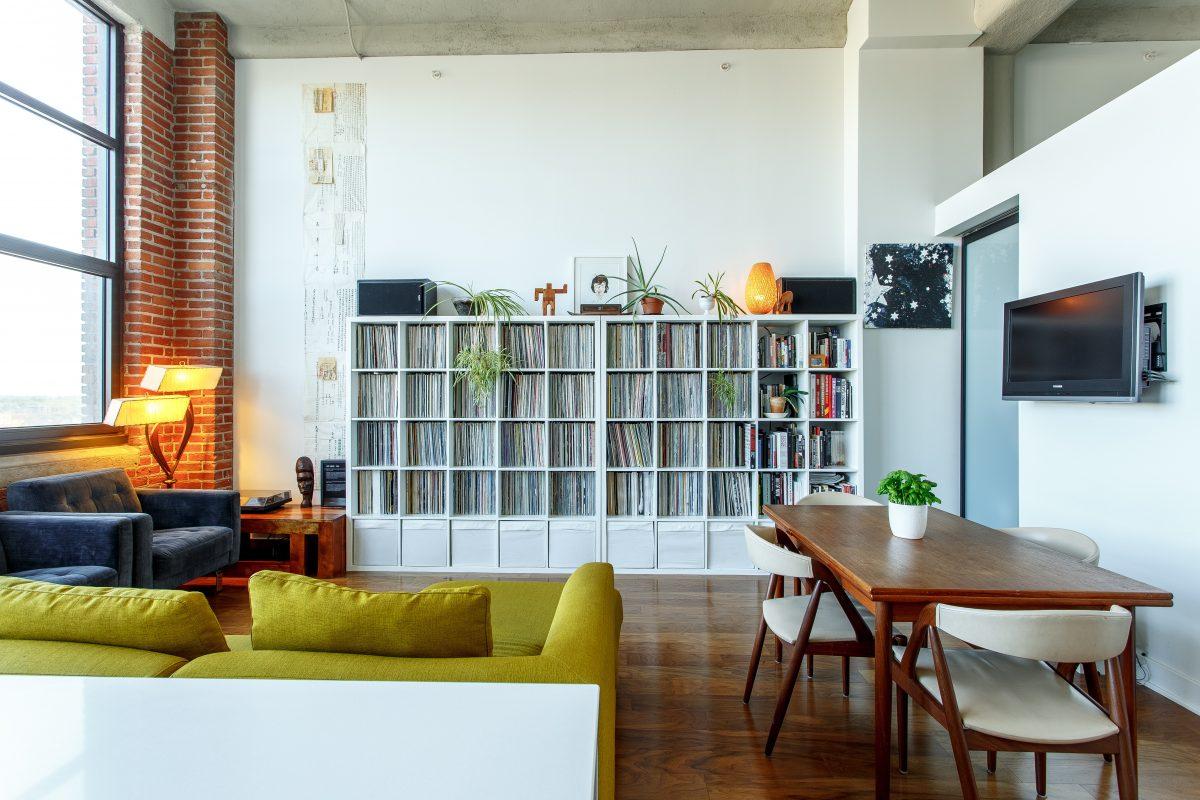 Living room vs sitting room - Living room vs family room ...